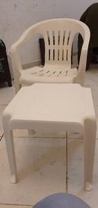 Used Plastic Table Chair in Dubai, UAE
