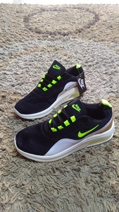 Used Nike Air shoes size 42 new in Dubai, UAE