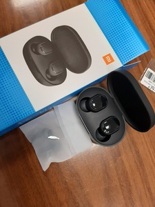 Used MI true wireless earbuds in Dubai, UAE