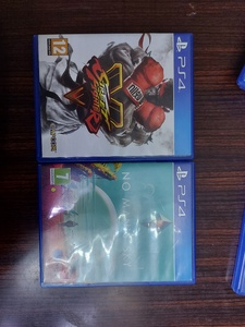 Used 2 ps4 game for 90 in Dubai, UAE