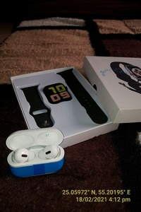Used RAMADAN offer WATCH AND AIRPODS ELE1 in Dubai, UAE
