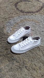 Used Unisex fashion shoes size 39  and 42 in Dubai, UAE