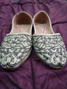 Used Men's ethnic shoes sz 8 in Dubai, UAE