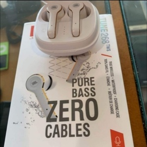 Used Zero cables JBL for iphone android in Dubai, UAE