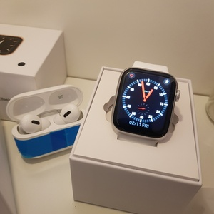 Used APPLE MASTER SMARTWATCH WIFI PODS ELE1 in Dubai, UAE