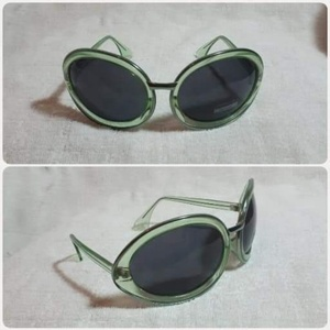 Used Lady's big frame Sungglass*,. in Dubai, UAE