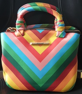 Used BRAND NEW HAND BAG ON OFFER in Dubai, UAE