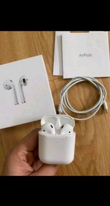Used APPLE AIRPODS 2 FREE COVER.. NEW🎊💯 in Dubai, UAE