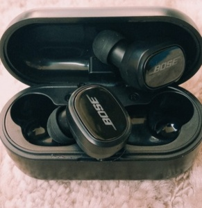 Used Bose tws6 EARBUDS PACKED in Dubai, UAE