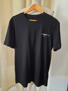 Used Off -White T.shirt (XL) new in Dubai, UAE