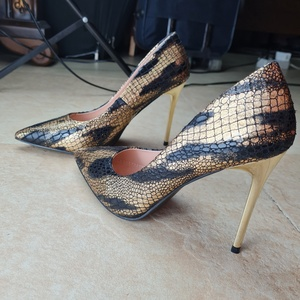 Used LUNA original high printed heels in Dubai, UAE