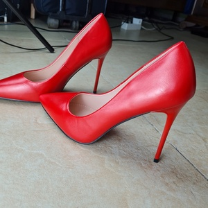 Used Red high heels eur 40 in Dubai, UAE