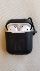 Used Airpods 2nd generation in Dubai, UAE
