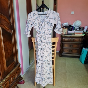 Used Free size wrap around dress in Dubai, UAE