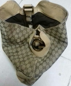 "Used ORIGINAL GUCCI HAND BAG "" in Dubai, UAE"