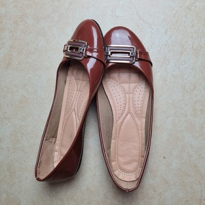 Used Eur 41 brown flats in Dubai, UAE