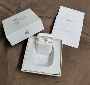 Used AIRPODS GEN2 + FREE COVER NEW 💜 in Dubai, UAE