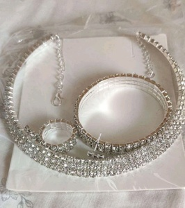 Used 3 pieces jewellery set in Dubai, UAE