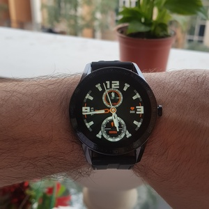 Used WEAR FIT S200 SMARTWATCH ELE1 🥰 in Dubai, UAE