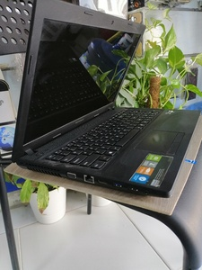 Used Lenovo laptop for Sale in Dubai, UAE