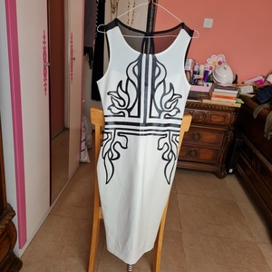 Used White printed party dress medium size in Dubai, UAE