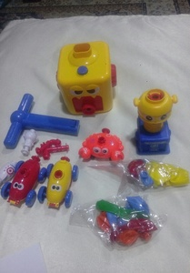 Used Bundle  offer toy,pan and knee sleeve in Dubai, UAE