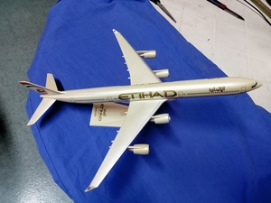 Used Etihad airways flight show Cash in Dubai, UAE