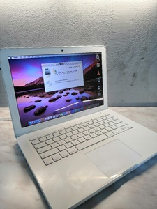 Used Apple Macbook Core 2 Duo in Dubai, UAE