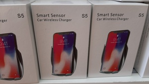 Used Smart Wireless charger for car 1pc in Dubai, UAE