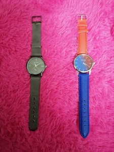 Used 2 pcs of new watches in Dubai, UAE