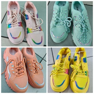 Used Brand new quality colored shoes 1 pcs in Dubai, UAE