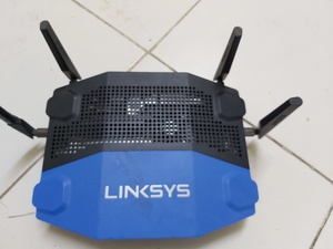 Used ROUTER/LINKSYS (WRT1900AC) in Dubai, UAE