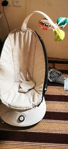 Used Baby swing 4moms RockaRoo in Dubai, UAE