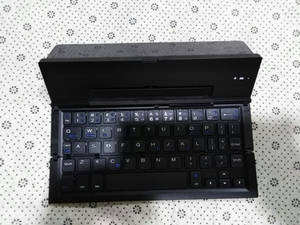 Used Portable ultra thin wireles keyboard new in Dubai, UAE