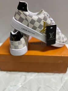 Used Lv sneaker new box size 44 in Dubai, UAE