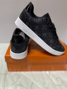 Used Lv sneaker new size 38 in Dubai, UAE
