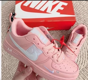 Used Nike pink size 40 in Dubai, UAE