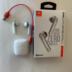 Used JBL Tune 220 Wireless Earbuds Copy White in Dubai, UAE