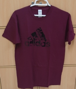Used Adidas t shirt for him ! in Dubai, UAE