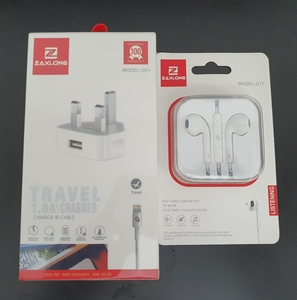 Used TRAVEL ADAPTER FOR IPHONE/ HEADPHON in Dubai, UAE