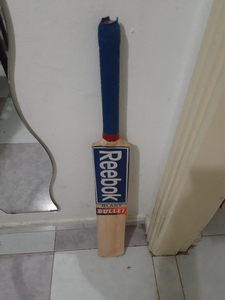 Used CRICKET BAT in Dubai, UAE