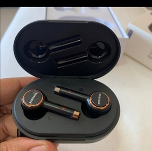 Used EARBUDS PACKED SAMSUNG GALAXY 2020 in Dubai, UAE