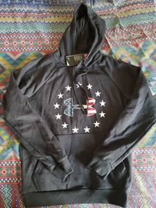 Used Original underarmour hoodie in Dubai, UAE