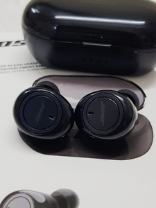 Used Bose very good fs in Dubai, UAE