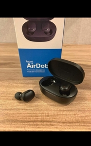 Used MI WIRELESS EARPHONES BEST DEAL✨ in Dubai, UAE