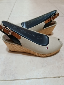 Used Brand new Tommy Hilfiger wedges in Dubai, UAE