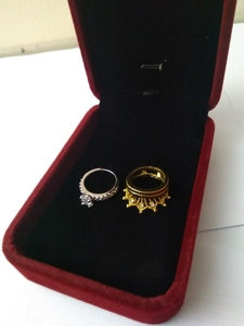 Used 2 in 1 crown Ring 1 set  size 5 in Dubai, UAE