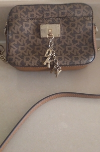 Used Authentic DKNY signature bag in Dubai, UAE