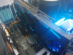 Used ASUS ROG STRIX GTX 1070 in Dubai, UAE