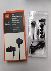 Used MI BASIC NEW PACKED EARPHONES in Dubai, UAE